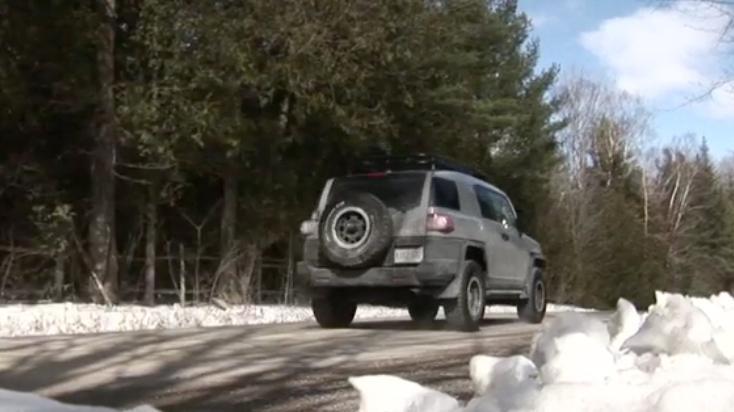 2013 Toyota FJ Cruiser Review - Video Test Drive
