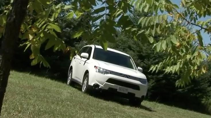 2014 Mitsubishi Outlander Review | Video Test Drive, Ratings, Specs, Price
